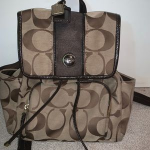 Signature Coach C Backpack in Chocolate Brown
